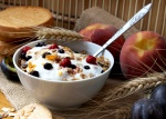 granola-with-yogurt